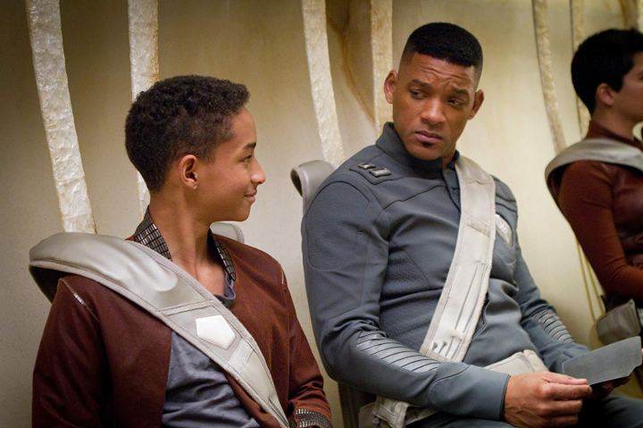 Will Smith et Jaden Smith dans After Earth