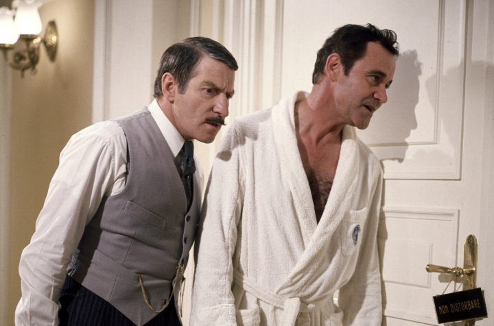 Clive Revill et Jack Lemmon dans le film Avanti! de Billy Wilder